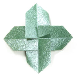 Simple Quadruple Origami Leaf