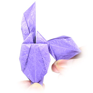 How to Make an Origami Lily Flower « Origami :: WonderHowTo | 300x300